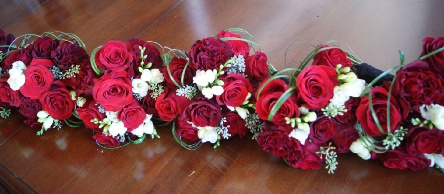 Christmas Bridesmaid's Bouquets.png