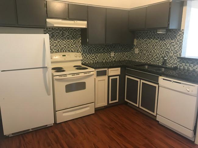 VO 1 Bed Kitchen.jpg
