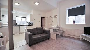Peterlane flat 6 (low res)-2.jpg