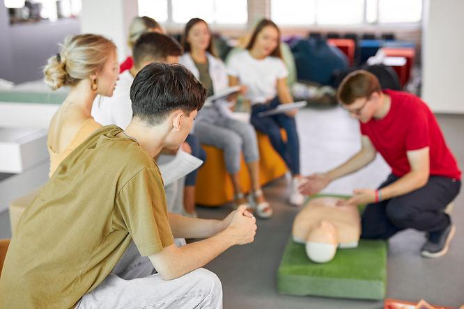 standard-first-aid-sfa-instructor-course.jpg