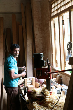 sri lanka woodworker 3