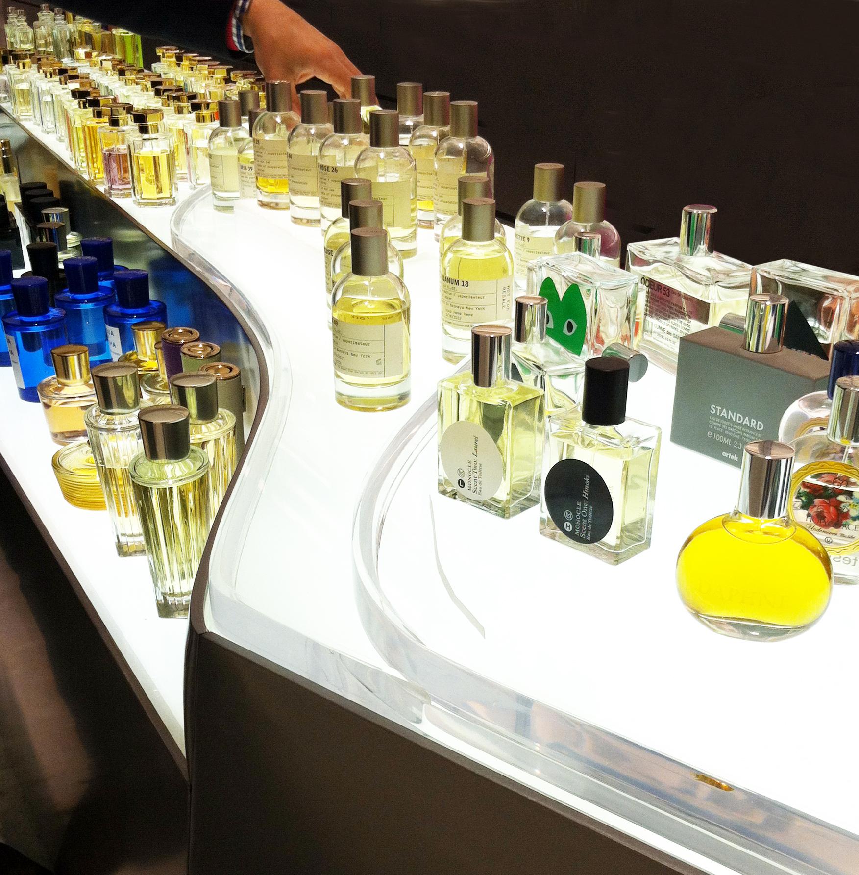 illuminated fragrance display 1