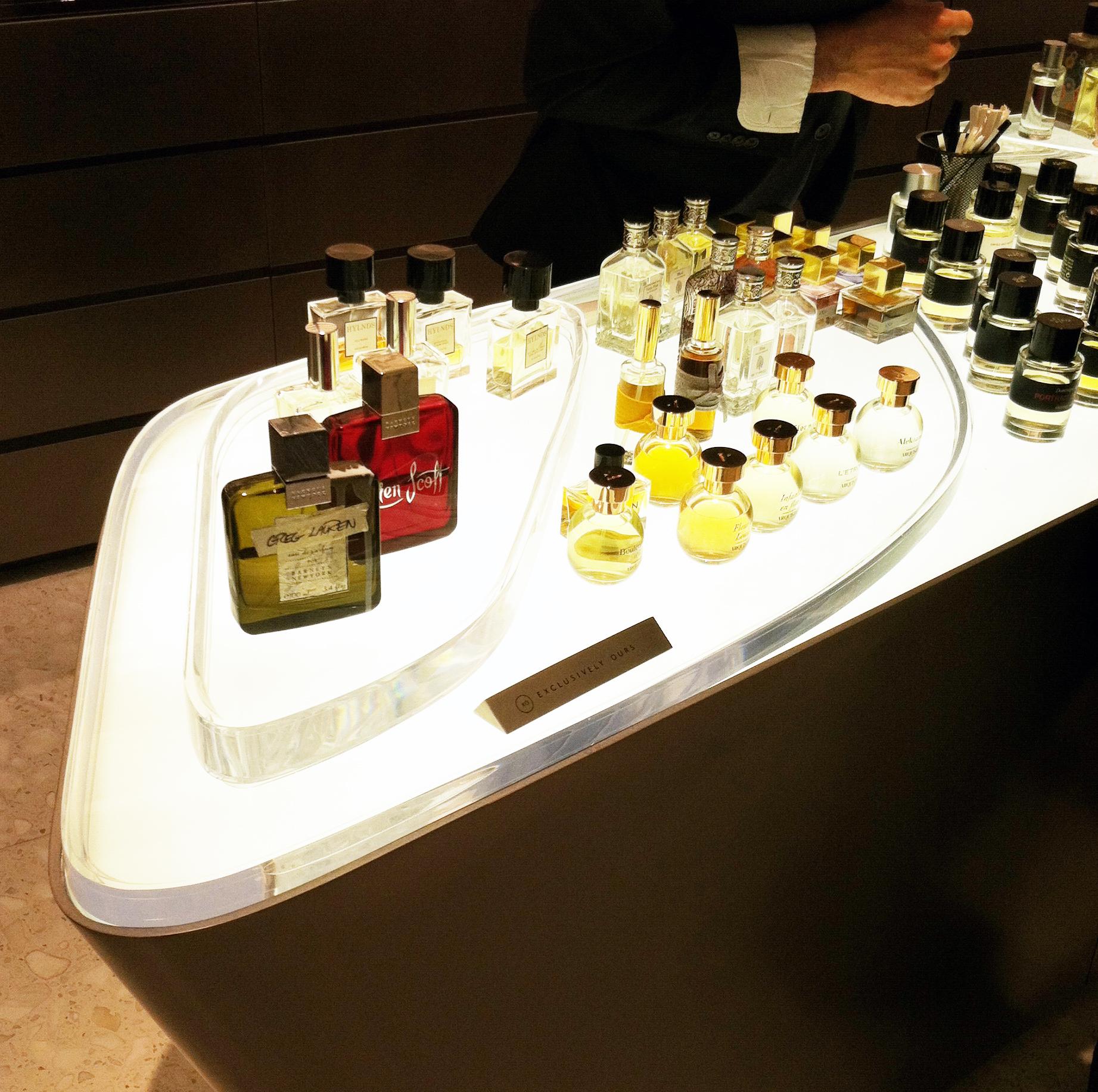 illuminated fragrance display 2