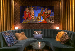 london lounge - seating niche