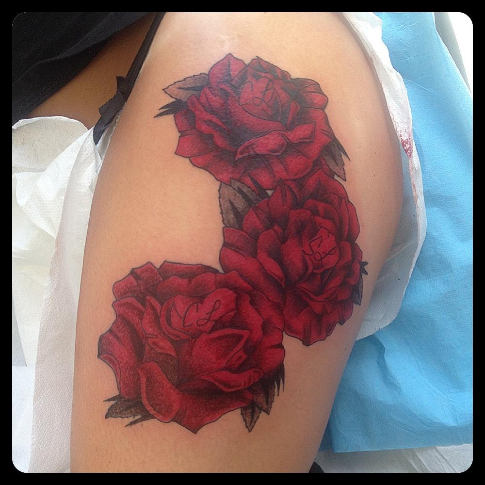 InkDiamond roses rouge tattoo