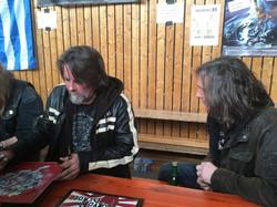Steve & Al sign for the fans