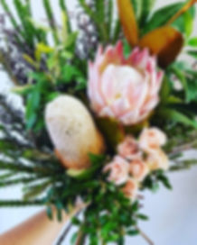 QLD Queensland Pomona Florist & Art Studio delivering gratitude The Gratitude Register bouquet bunch flowers
