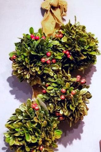 Hanging Christmas Kissing Balls