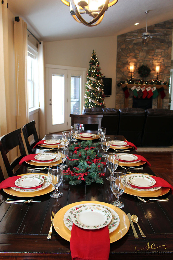 Setting a Formal Christmas Table