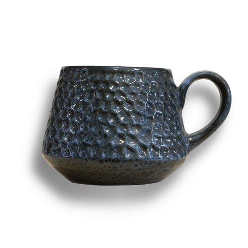 Porcelain teacup - model C