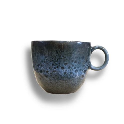 Irregular porcelain cup - model H