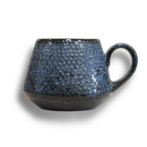 Porcelain teacup - model B