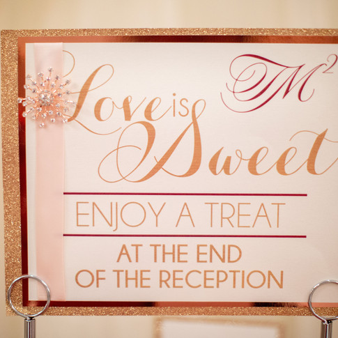 Let your guests know how sweet it is!