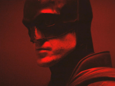 First Look At Robert Pattinson In The Batsuit