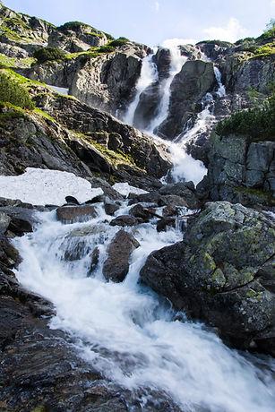 Mountain-waterfall-Siklawa-in-Polish-Tat
