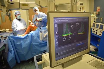 Mr Imbuldeniya Computer guided knee surgery London