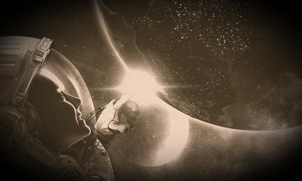 Astronaut_edited_edited_edited.jpg