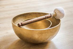 singing-bowl-4595928_1920.jpg