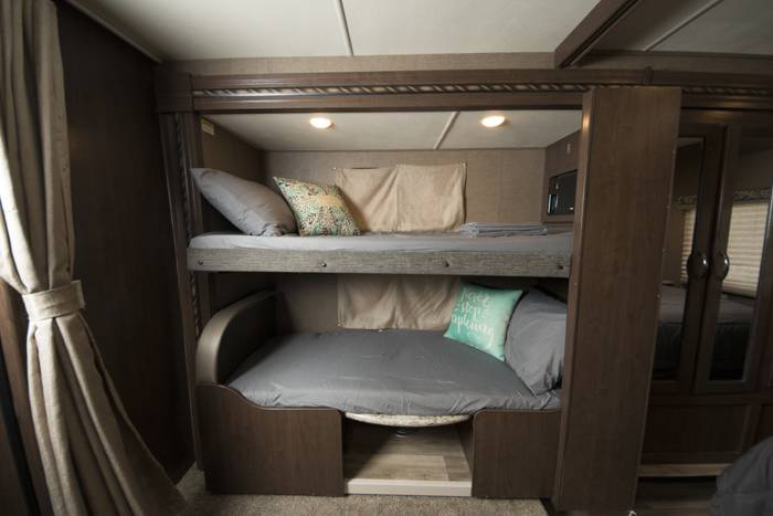 2018 Thor Four Winds 30D RV (7)