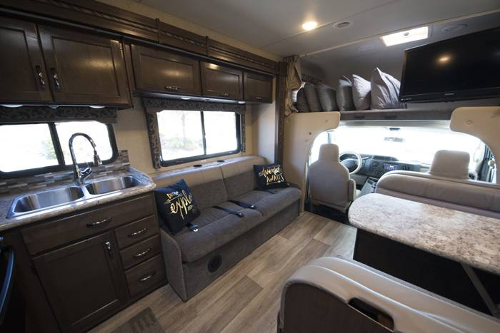 2018 Thor Four Winds 30D RV (4)