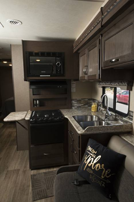 2018 Thor Four Winds 30D RV (11)