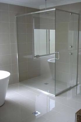 Semi-Frameless Shower