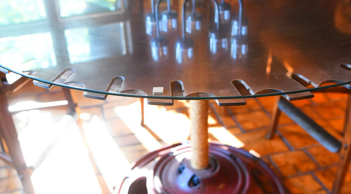 BLADE TABLE BAR