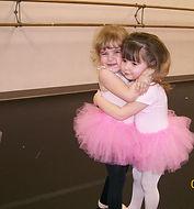 Hugging preschool dancers 07.jpg