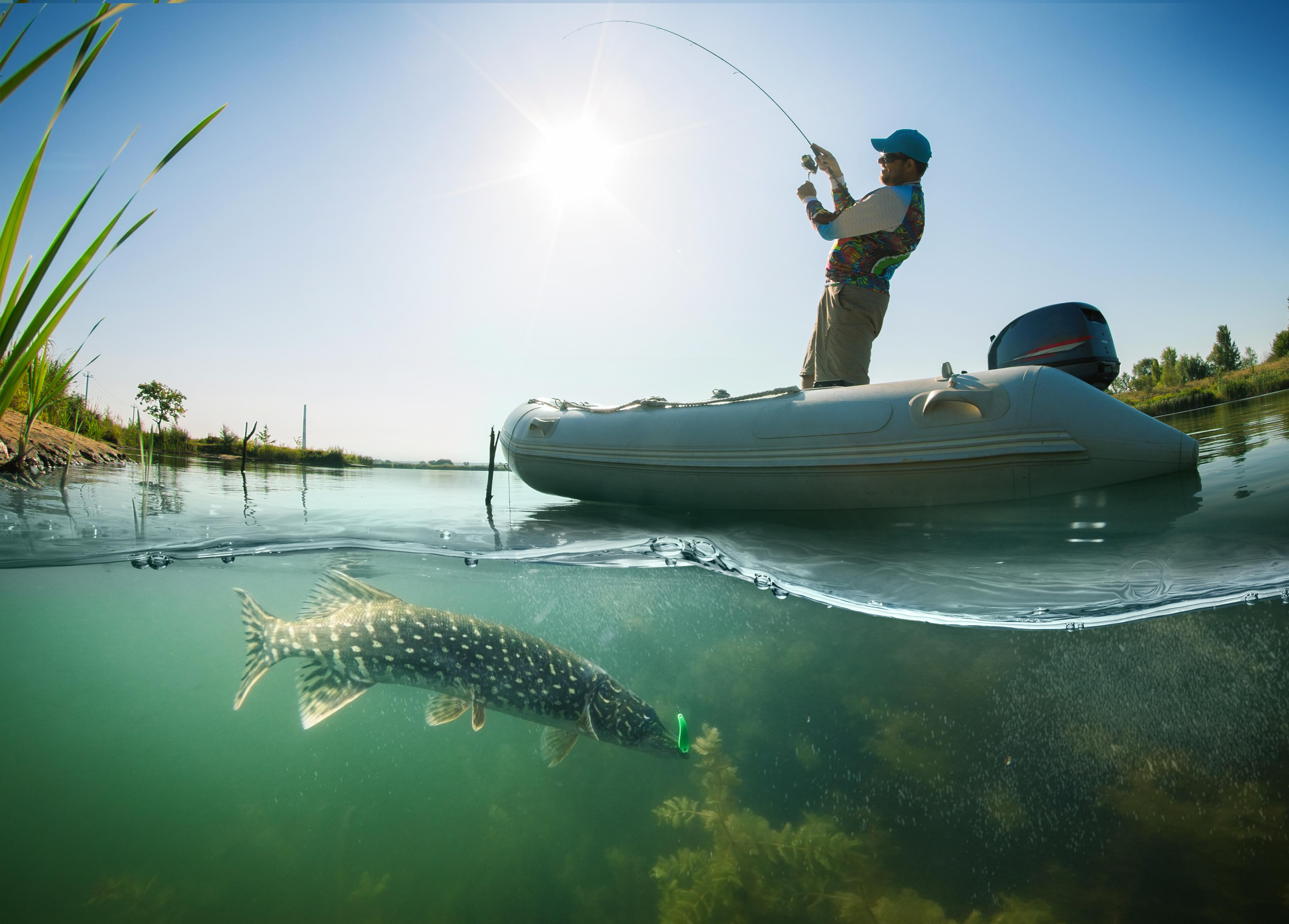 1 journée pêche et bateau RIVIERE