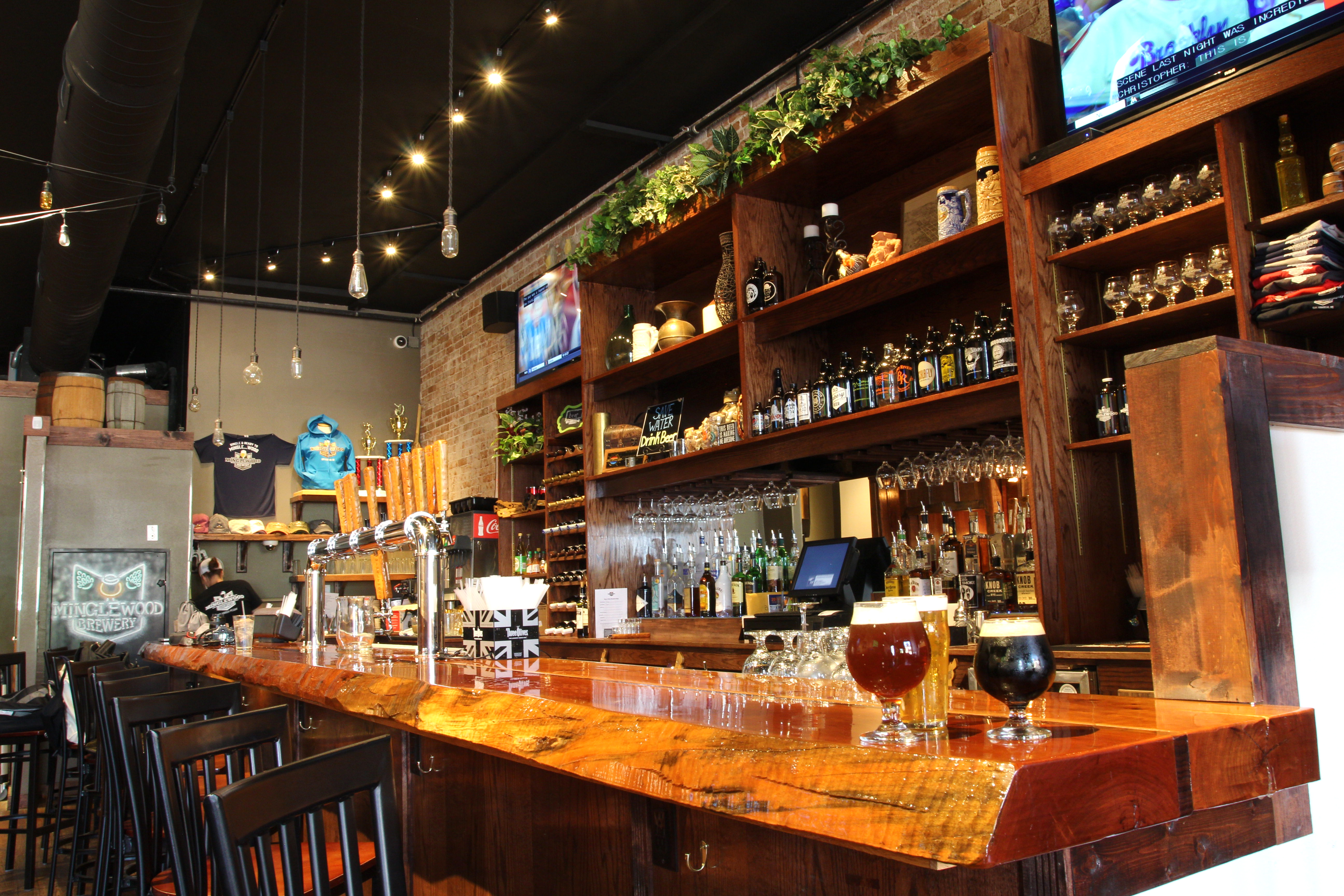 Minglewood Brewery Bar and eatery