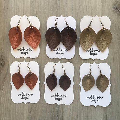 Pebbled Metallic Single Layer Pinch Petal Earrings