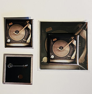 Record player badge