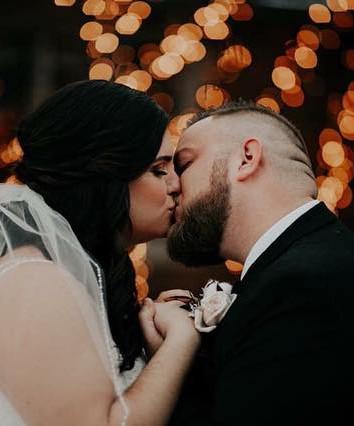 Chelseys winter wedding was so beautiful