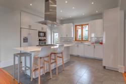 White Gloss Laminate Kitchen