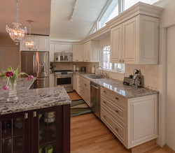 Traditional Solid Wood Kitchen