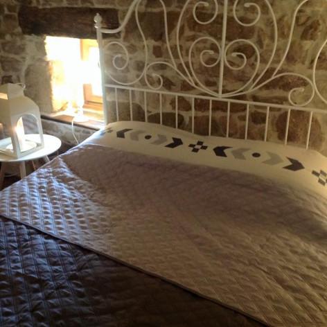 Tweepersoons bed op 1e verdieping