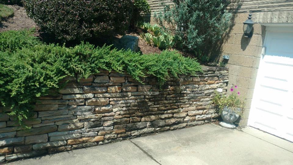 retaining wall mason