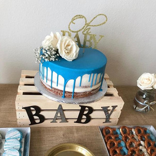 NAKED DRIP CAKE 💙💙. Baby Boy on the Wa