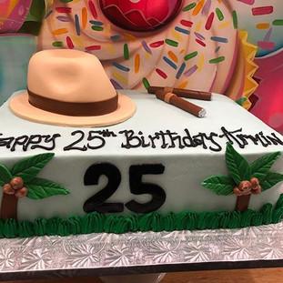 A MANS CAKE 💪🏼💪🏼 #haywardca #thecupc