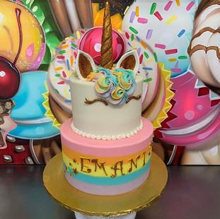 UNICORN CAKE 🦄 #thecupcakeshoppeca #the
