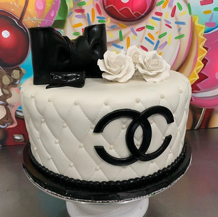 Beautiful Chanel cake we made! All fonda