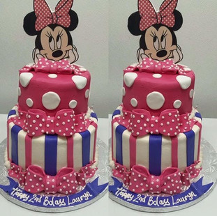 MINNIE MOUSE FONDANT CAKE.  #bayarea #be