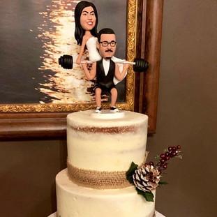 LOVIN THIS WEDDING CAKE!  SIMPLE BUT FUN