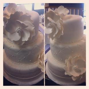 #wedding #thecupcakeshoppe  #fondant #ha