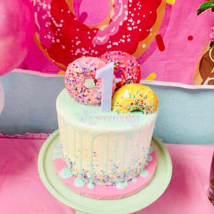 WE DO DONUTS!!!! DONUT THEMED FIRST BIRT