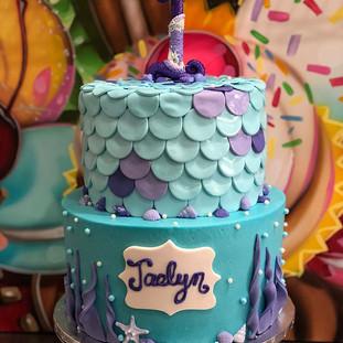 MERMAID THEMED CAKE 🧜♀️ #fondantcake m