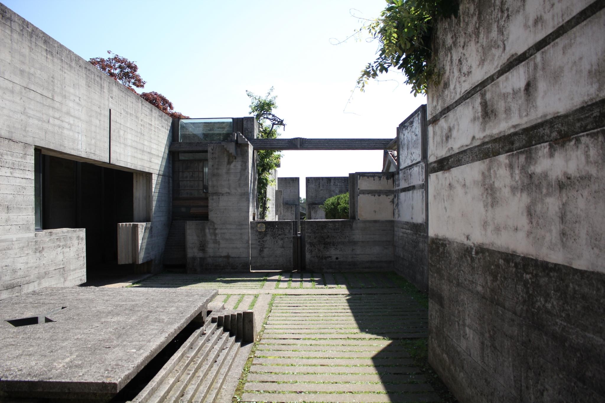 ブリオンベガ墓地04