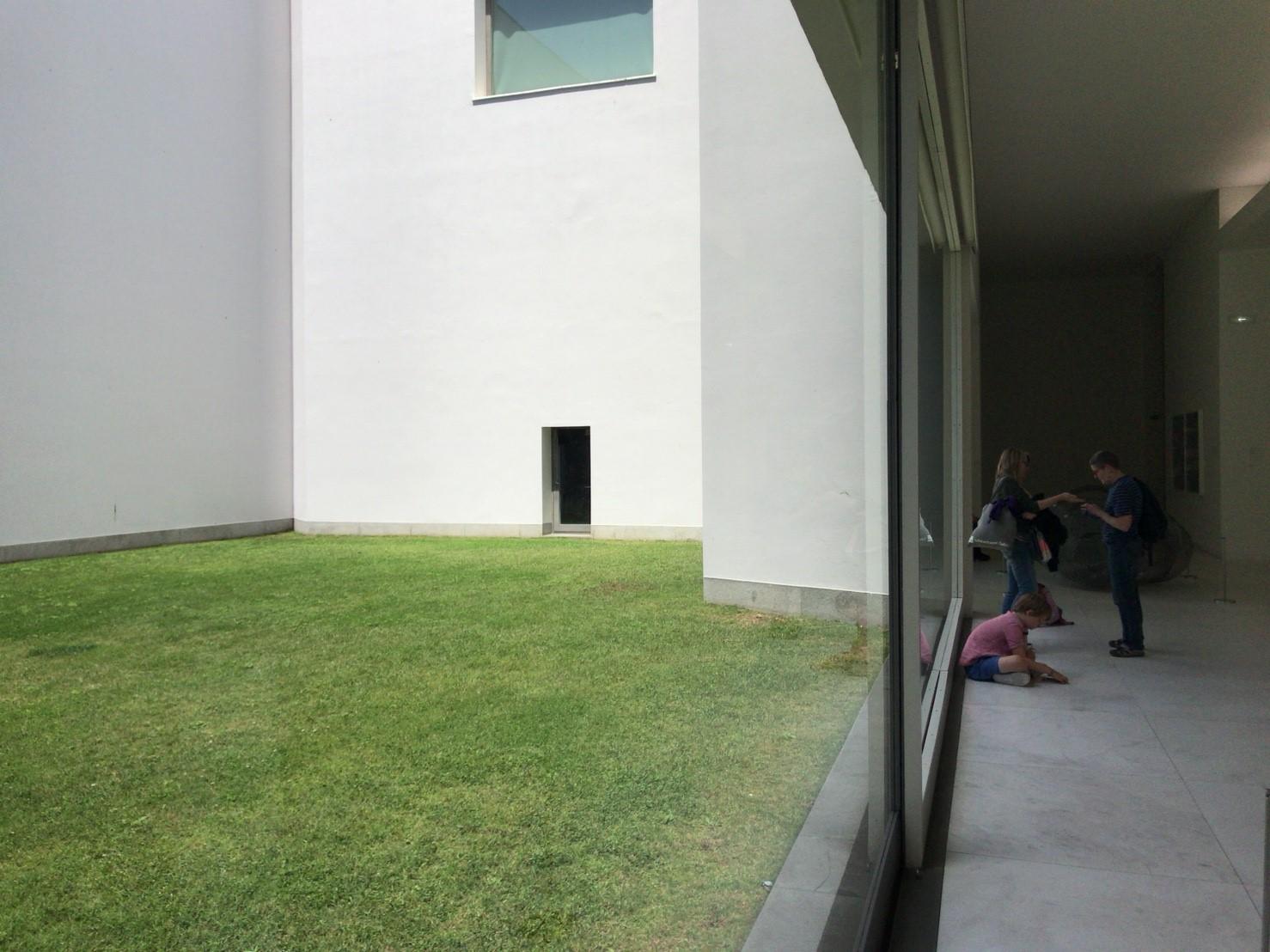 セラルヴェス現代美術館_180602_0121