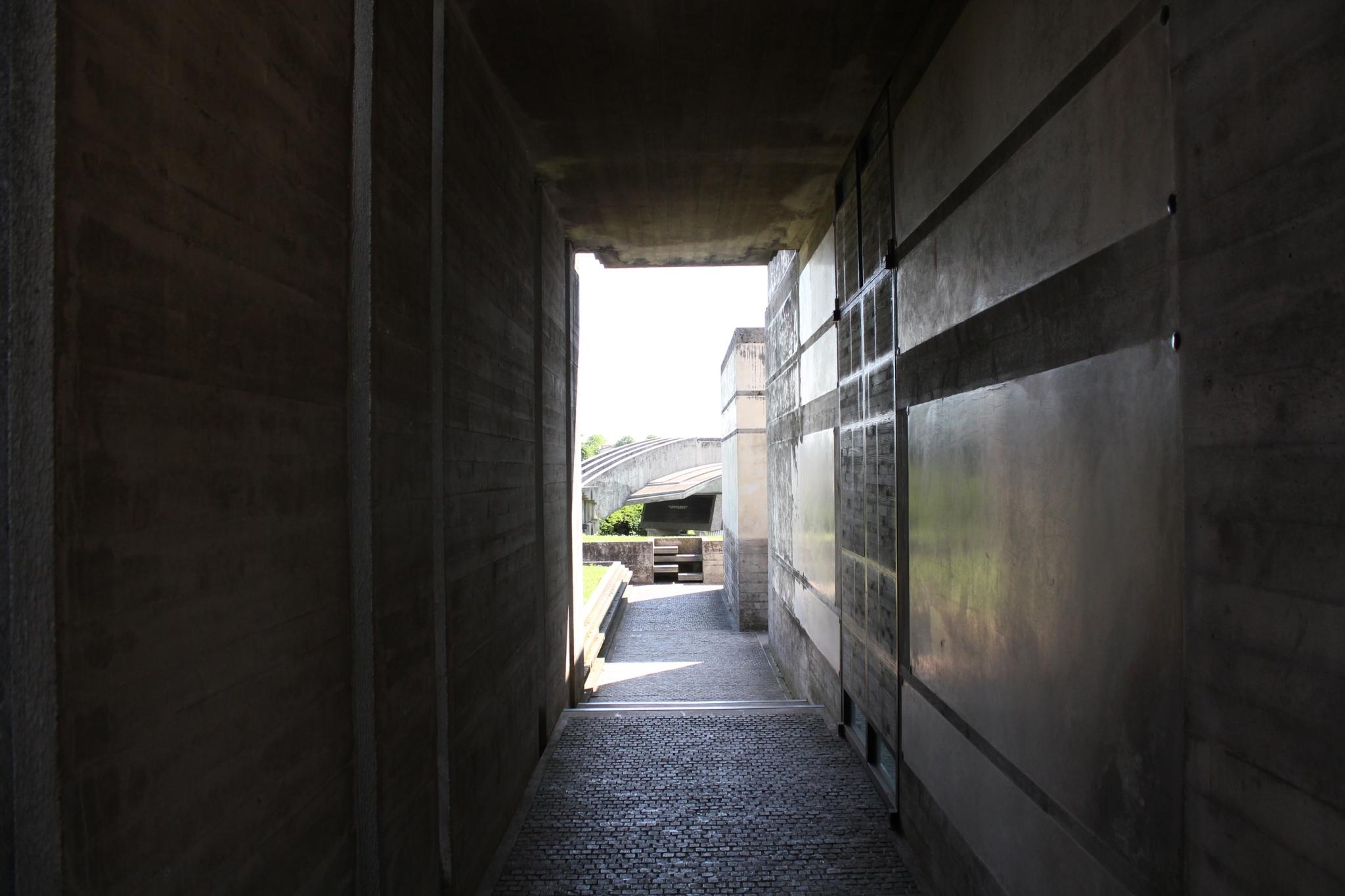 ブリオンベガ墓地14