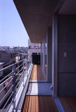 子安のトンネルアパートメント19